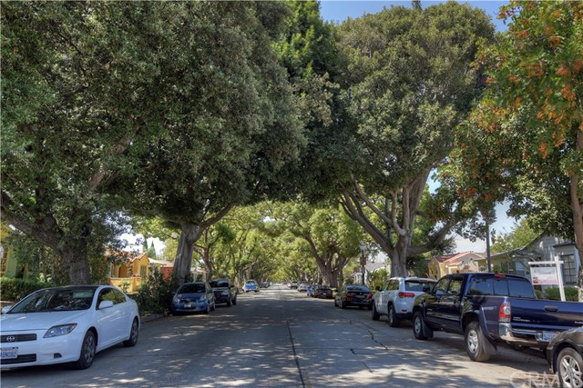 3501 Olive Avenue, Long Beach CA: http://media.crmls.org/medias/608c8e91-593f-4dba-bab0-345631cc9391.jpg