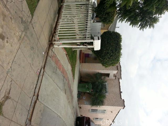 718 95Th Street, Los Angeles, California 90002