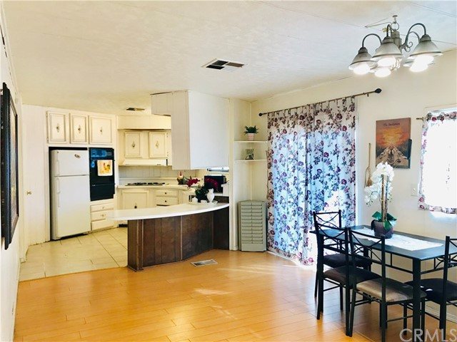 1441 S Paso Real Avenue, Rowland Heights CA: http://media.crmls.org/medias/609cd01c-4d3b-4e6a-921a-a9e729cc3c2a.jpg