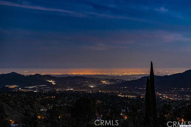 Single Family Home for Sale at 2704 starfall Drive La Crescenta, California 91214 United States