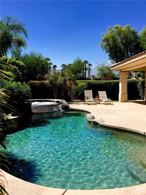 5 Varsity Circle, Rancho Mirage CA: http://media.crmls.org/medias/60a15e51-b640-48fe-bd34-51f78f33fc8e.jpg