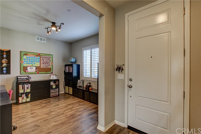 35027 PAINTED ROCK STREET, WINCHESTER, CA 92596  Photo 5