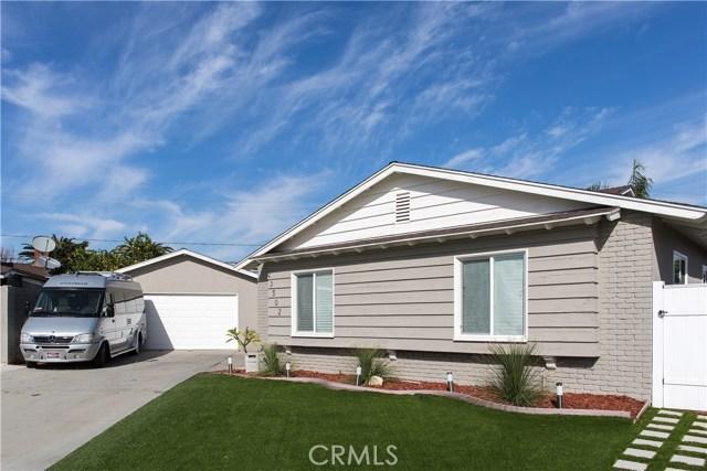 独户住宅 为 销售 在 23502 Delford Avenue 卡尔森, 加利福尼亚州 90745 美国