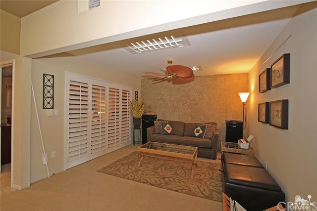 140 Avenida Las Palmas, Rancho Mirage CA: http://media.crmls.org/medias/60ba4fd9-78f6-496d-a681-5e5e11d7dda4.jpg