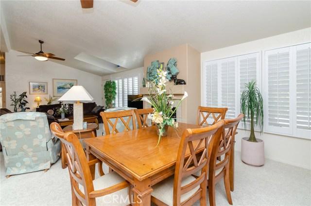 1682 Willow Leaf Drive, Hemet CA: http://media.crmls.org/medias/60be8d33-e6ba-4256-a6d6-7fc1b036e3ed.jpg
