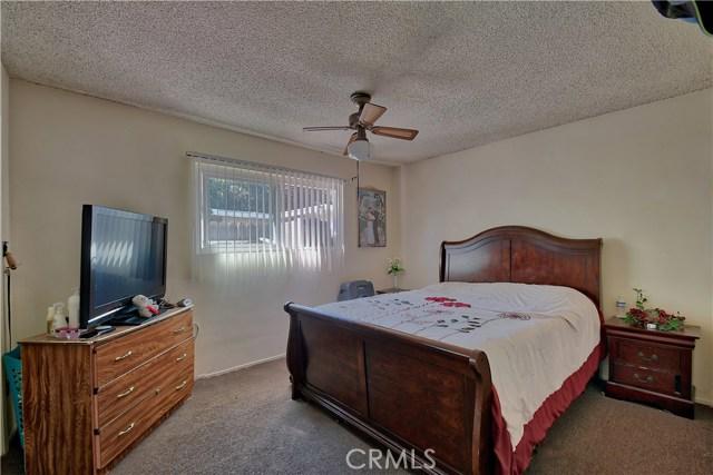 2077 Wallace Avenue, Costa Mesa CA: http://media.crmls.org/medias/60bf6c16-b05d-44bf-ad77-8a3d177cc5b6.jpg