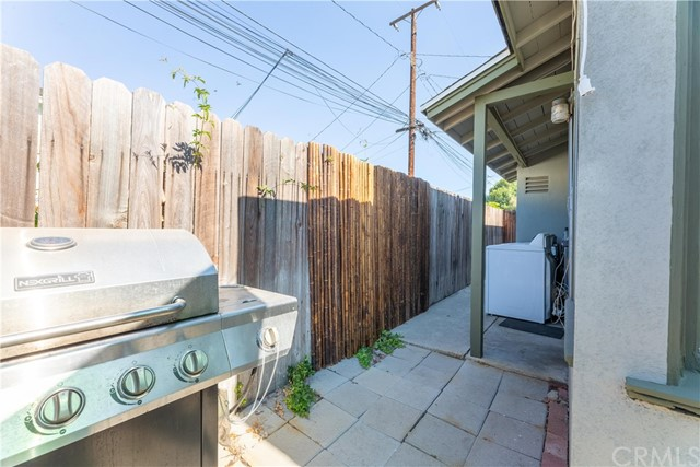 3707 Cerritos Avenue, Long Beach CA: http://media.crmls.org/medias/60c31d3a-cb0d-4845-9649-a7c044aaa662.jpg