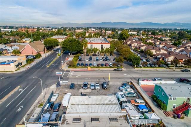 6990 N Paramount Boulevard, Long Beach CA: http://media.crmls.org/medias/60c37b68-9757-412d-9144-84e707cfed1c.jpg