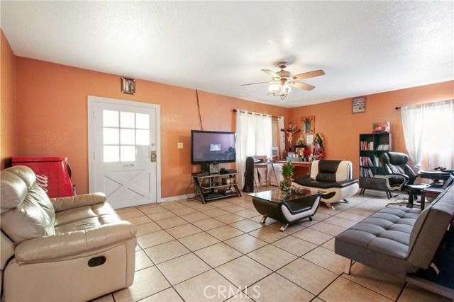 876 S Claudina Street, Anaheim CA: http://media.crmls.org/medias/60ca4cb2-4460-401c-9071-7078b59d5418.jpg