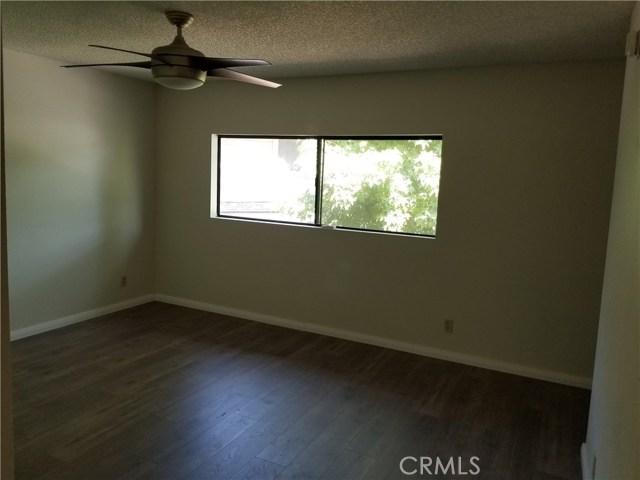 13075 Hubbard Street, Sylmar CA: http://media.crmls.org/medias/60ce606d-34a6-4105-961d-55387cccb394.jpg