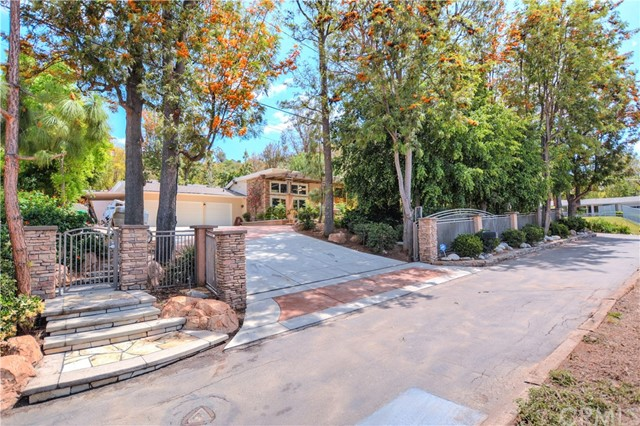 Single Family Home for Sale at 12525 El Roy Drive North Tustin, California 92705 United States