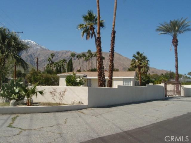 2107 N Vista Grande Avenue, Palm Springs CA: http://media.crmls.org/medias/60e4a5c2-bf8d-4a9c-a12a-5fac7b72cea5.jpg