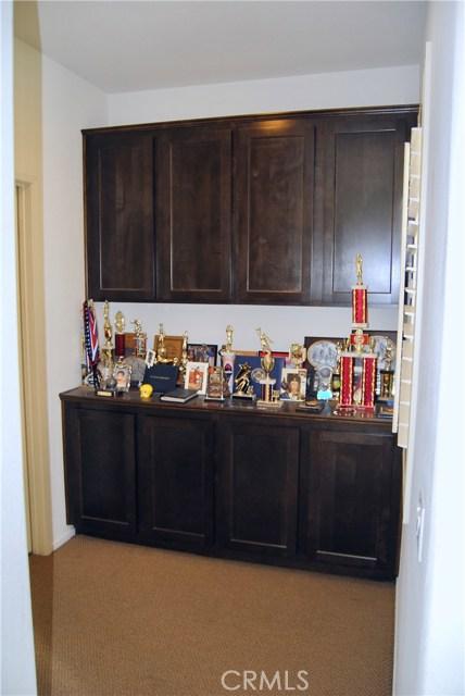 14975 S Highland Ave, Fontana CA: http://media.crmls.org/medias/60e58592-467e-42e0-bab9-2b873ba2c1e1.jpg