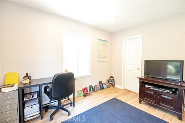 741 E Claremont Street, Pasadena CA: http://media.crmls.org/medias/60e6cdba-e749-48f5-84e9-af89a77337c4.jpg