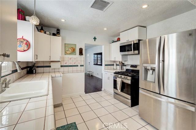 4724 W 161st Street, Lawndale CA: http://media.crmls.org/medias/60eae442-2858-45a3-9e80-b9ae6d80fc62.jpg