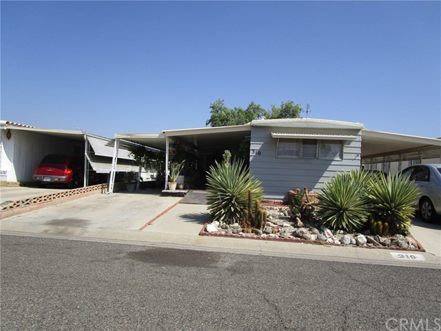 310 Santa Clara Circle Hemet, CA 92543 - MLS #: SW18205837
