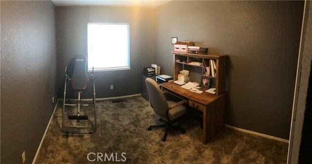 2961 Kansas Ave, Atwater CA: http://media.crmls.org/medias/60fd1578-b4cf-43c6-b81e-e465013e5788.jpg