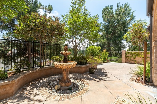 28 Salvatore, Ladera Ranch CA: http://media.crmls.org/medias/61060d4e-3dff-468c-9b8c-0341fb417400.jpg