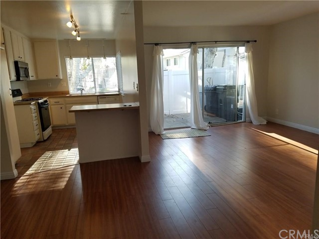 Townhouse for Sale at 2502 Coventry Circle Fullerton, California 92833 United States