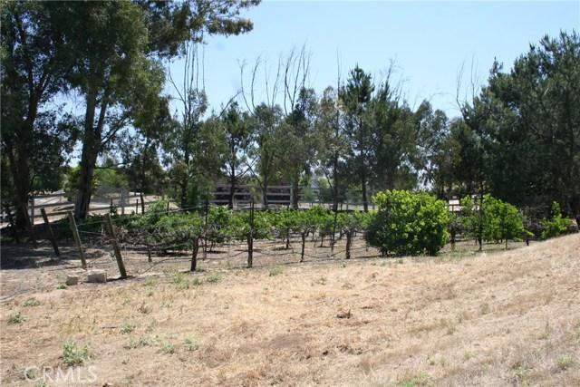 39600 Camino Del Vino, Temecula CA: http://media.crmls.org/medias/61192c9b-da29-4235-bfb6-fdd5493b108b.jpg