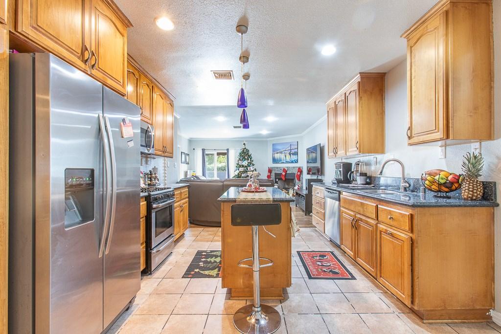 14516 S Bahama Avenue, Los Angeles, California 90220, 4 Bedrooms Bedrooms, ,2 BathroomsBathrooms,HOUSE,For sale,Bahama,DW20253724