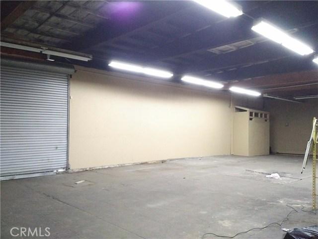 805 S Harbor Boulevard, Fullerton CA: http://media.crmls.org/medias/6126d8e0-b7bf-4858-9fde-b54159b01fcf.jpg