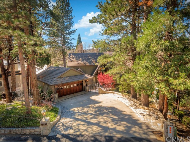 Single Family Home for Sale at 27837 Peninsula Drive S Lake Arrowhead, California 92352 United States