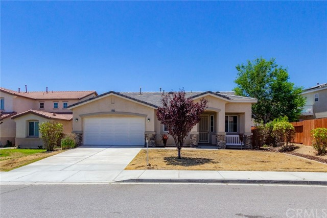 Detail Gallery Image 1 of 36 For 17655 High Point Ct, Victorville, CA 92395 - 4 Beds | 2 Baths