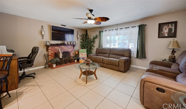 8883 Camphor Avenue,Hesperia,CA 92345, USA