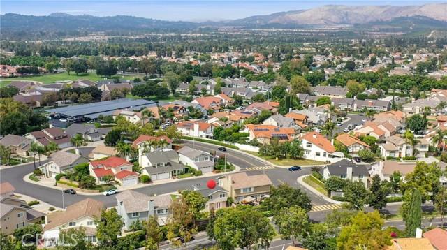 25 Bull Run, Irvine CA: http://media.crmls.org/medias/6136c98e-9a86-49b9-9bed-af964b3ff624.jpg