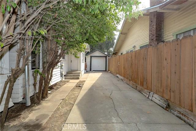 220 W 22nd Street, Merced CA: http://media.crmls.org/medias/61387735-a3db-46ab-bf44-1bfec5f921ba.jpg
