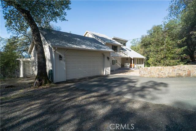 独户住宅 为 销售 在 20652 Powder Horn Road Hidden Valley Lake, 95467 美国