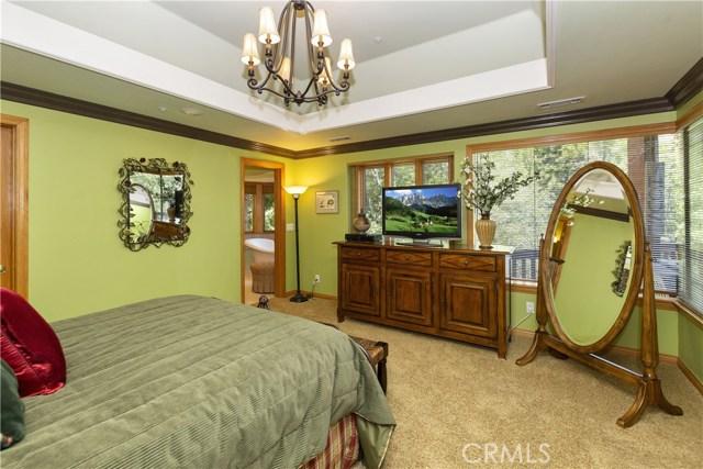 27537 W Shore Road, Lake Arrowhead CA: http://media.crmls.org/medias/61629a7d-f5a0-4a40-9f62-5b4a22585f8a.jpg