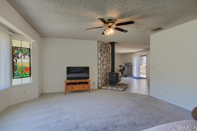 31549 Delaware Road Coarsegold, CA 93614 - MLS #: FR18130476