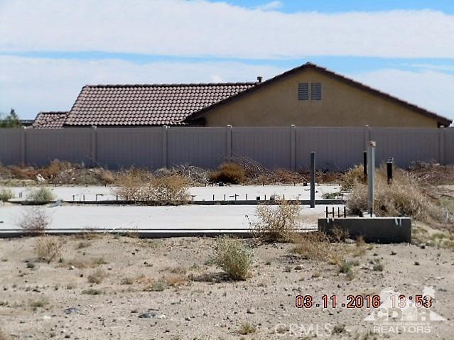 0 Bald Eagle Lane, Desert Hot Springs CA: http://media.crmls.org/medias/6166d441-5fd7-4307-9673-4e3d6e5a1a02.jpg