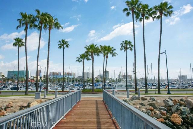 1047 E 1st Street, Long Beach CA: http://media.crmls.org/medias/616d6b4f-a417-4384-b1d4-943c982c381a.jpg
