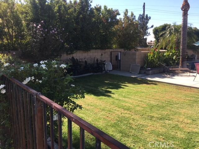 4096 Equestrian Lane, Norco CA: http://media.crmls.org/medias/6171e785-a723-4ea0-9d8c-3e472d457c7b.jpg