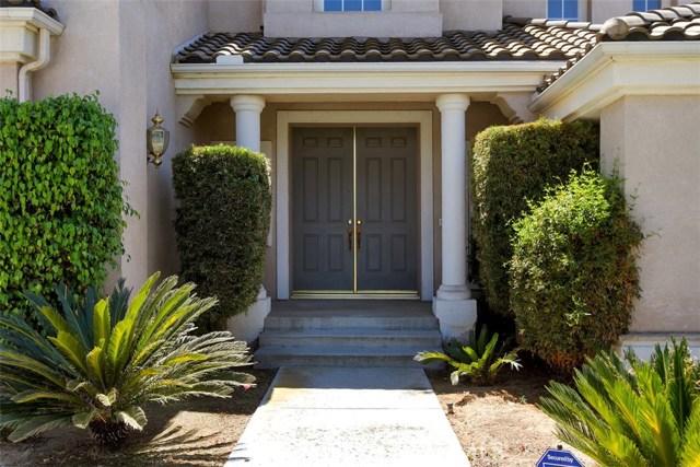 1523 Kohler Court, Riverside CA: http://media.crmls.org/medias/61756d06-5b54-4c36-b6b0-979e5872e694.jpg