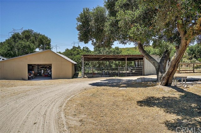 2155 Saucelito Creek Road, Arroyo Grande CA: http://media.crmls.org/medias/6185697e-29de-4a7e-8cc6-d33b9b38a60c.jpg