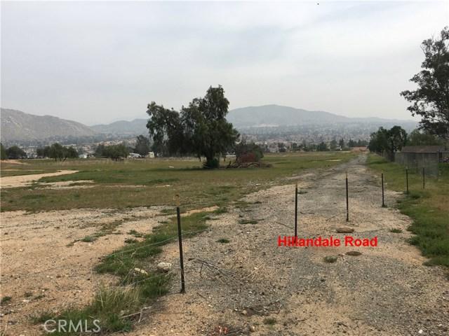 11275 Eagle Rock Road, Moreno Valley CA: http://media.crmls.org/medias/6190d3e9-23fd-4063-a363-a1f9eec4c668.jpg