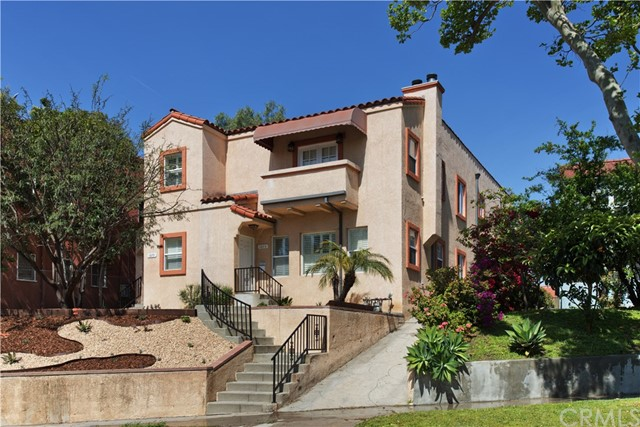 Single Family for Rent at 1075 Mansfield Avenue S Los Angeles, California 90019 United States