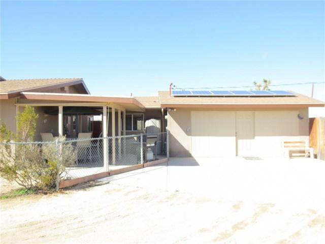 59510 Sunflower Drive, Yucca Valley CA: http://media.crmls.org/medias/61acde77-b778-456c-8643-262c1cc2445d.jpg