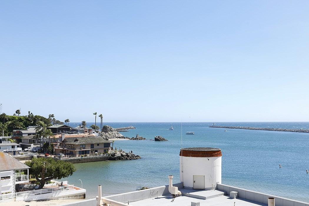2525 Ocean Boulevard, Corona del Mar CA: http://media.crmls.org/medias/61ae47b4-0354-4131-9777-202920f190bf.jpg