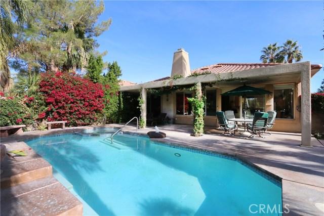120 Kavenish Drive, Rancho Mirage CA: http://media.crmls.org/medias/61b80039-f66d-4bb2-a2a7-bdb06becb172.jpg