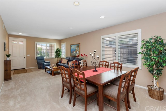 33571 Honeysuckle Lane, Murrieta CA: http://media.crmls.org/medias/61b9fe81-611b-43ed-930d-e89561f1f43f.jpg