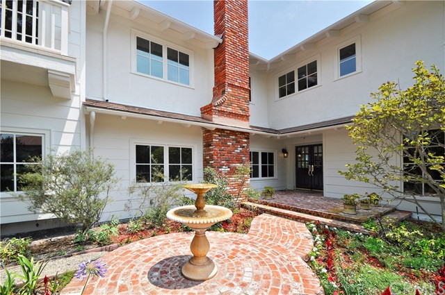 1 Clear Vista Drive, Rolling Hills Estates CA: http://media.crmls.org/medias/61bb5ac8-bb4b-450d-a1c2-395072f85a22.jpg