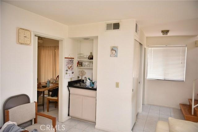230 N Sierra Vista Street, Monterey Park CA: http://media.crmls.org/medias/61bbfda3-884f-413b-9014-71ace9e68120.jpg