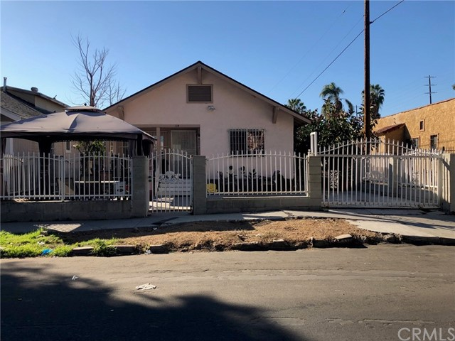114 E 60th Street, Los Angeles CA: http://media.crmls.org/medias/61be1cf2-6bcf-4686-bb23-fed82eda9b7d.jpg