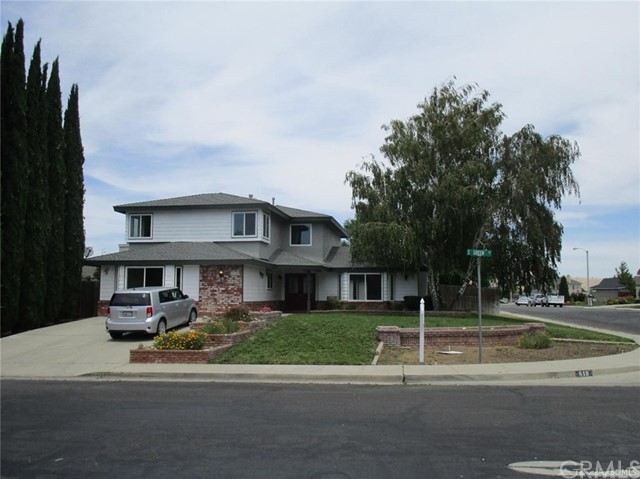 Single Family Home for Sale at 818 Green Street S Tehachapi, California 93561 United States