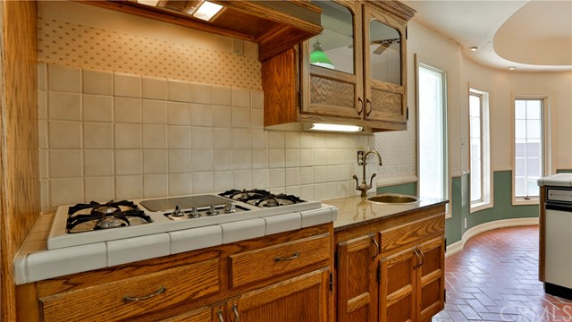 823 Glendenning Way, San Bernardino CA: http://media.crmls.org/medias/61decac3-d294-45b9-b1f8-fb8799a19084.jpg